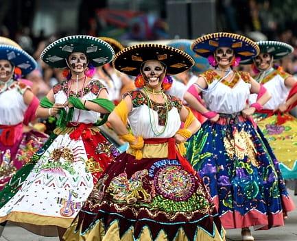 desfile tradicional mexicano